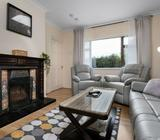 1 single bedroom available in a lovely, newly redecorated, spacious house
