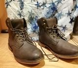 Size 7 Almost New Mens/Womans Boots for Sale