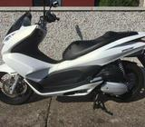 2011 Honda PCX 125 Twist & Go Scooter