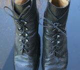 Immagini Leather Ankle Boot, Dark brown snake skin finish.