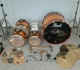 PEARL DRUM KIT & CASES FOR SALE
