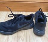 Black Nike Size 4