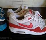 2 pairs boys air max size 4
